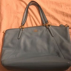 Excellent condition blue Coach purse